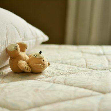 Jakie materace dla dzieci są najbardziej odpowiednie i gdzie ich szukać?
